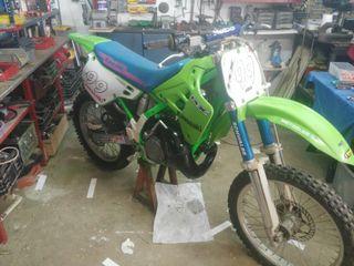 Kawasaki 250 con cilindro y pistón nuevos