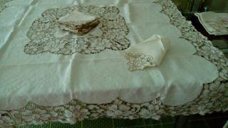 Mantel de hilo blanco