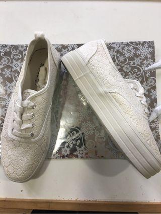 Zapatillas blancas encaje t 40