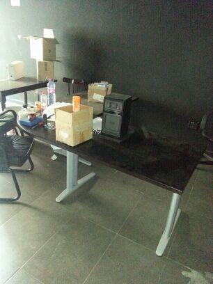 Mobiliario de oficina de segunda mano en lomo los frailes for Mobiliario oficina segunda mano