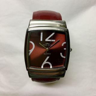 Reloj de pulsera rojo