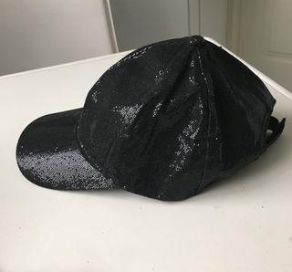 Gorra con brillo