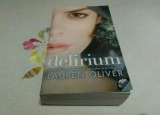 Libro Delirium