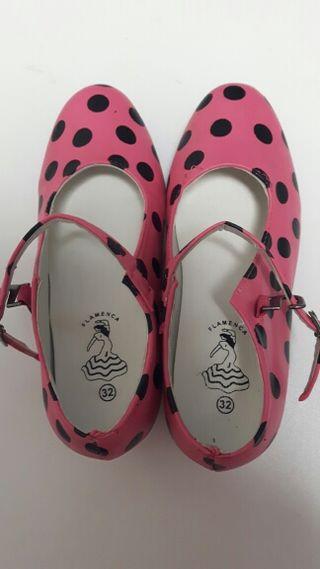 Zapatos de sevillana. Talla 32