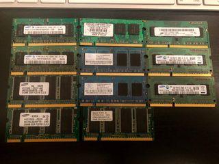 Varias memorias RAM SODIMM