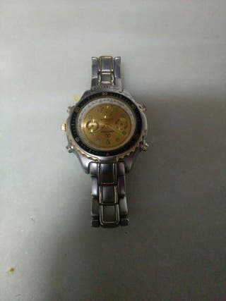 Reloj marca mercedes