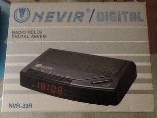 Reloj Despertador Digital AM/FM