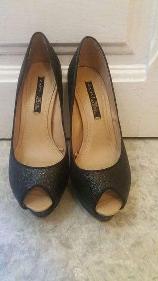 Zapatos zara de purpurina negra.Num.38