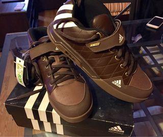Zapatillas adidas NUEVA Talla 46 ORIGINALES