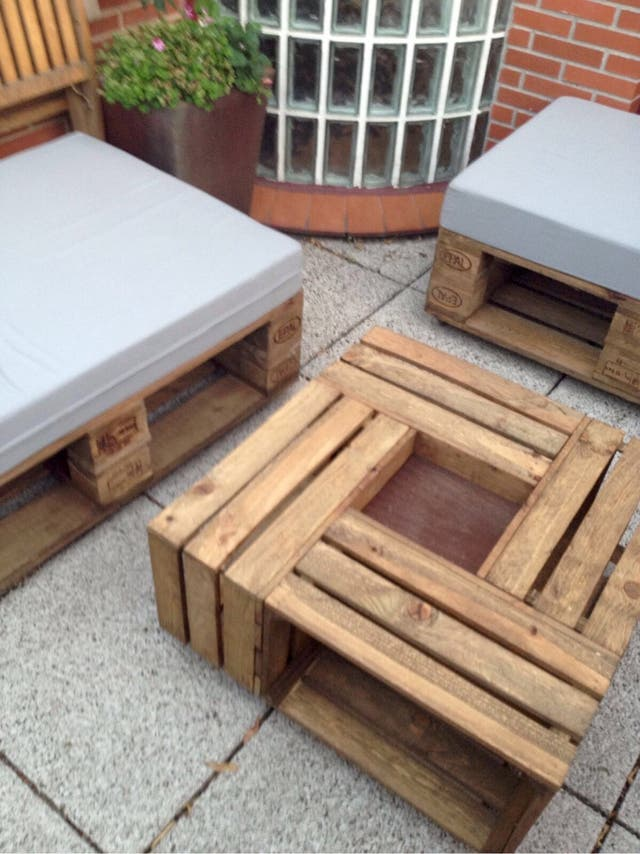 Muebles palet jardin terraza en madrid en wallapop for Muebles jardin madera palet
