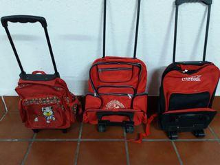 mochilas de varios tamaños