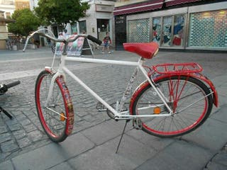 Bicicleta paseo clasica hombre decorada MARVEL