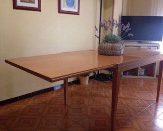 Mesa extensible + 4 sillas