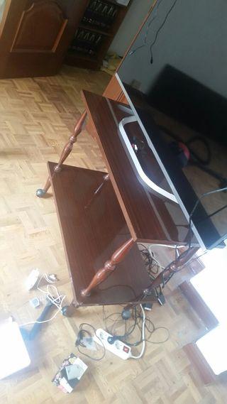 Mesa para television de madera con ruedas