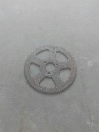 Plato de arrastre de minimoto.