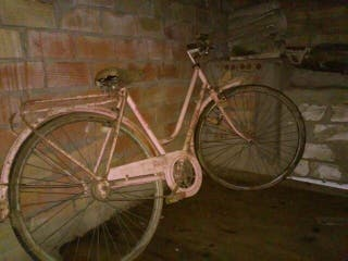 Bicicleta mujer antigua de paseo