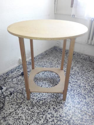 Mesa redonda madera.
