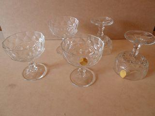 Cinco copas de champan