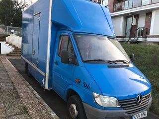 Camión Mercedes Benz camioneta furgoneta furgon