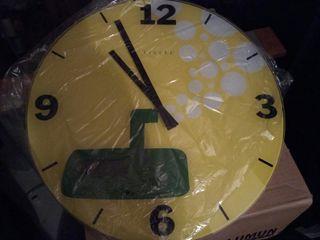 reloj pared fisura
