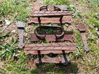 manetas de Puerta y bisagras artesanales de forja