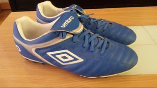 Botas de futbol 43