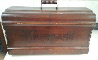 Antigua funda de máquina de coser Naumann