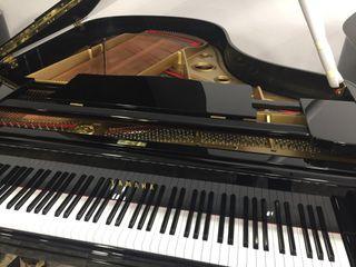 Piano cola Yamaha G2 3 pedales recién pintado