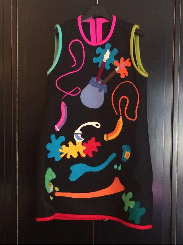 Disfraz de pintora mujer con complementos