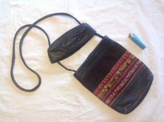 Bolso pequeño en piel y kilim, usado
