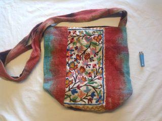 Bolso de mujer de telas bordadas a mano, indias,