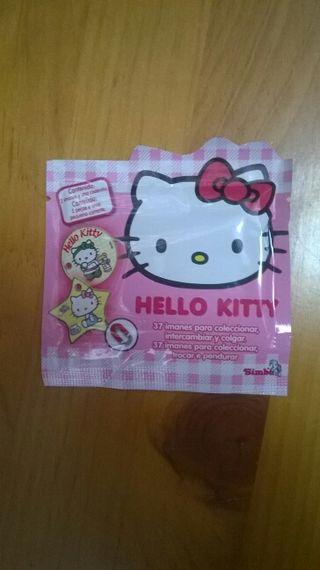 3 PAQUETES DE IMANES Hello Kitty