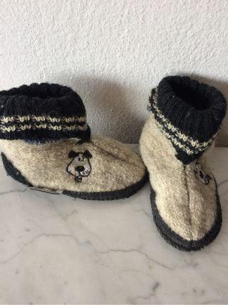Zapatillas bebe numero 23