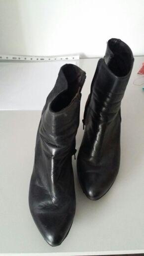 bota negra talla 37