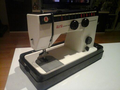 Máquina de coser Alfa Modelo 3752-3749 de segunda mano por