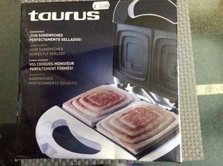 Sandwichera Taurus
