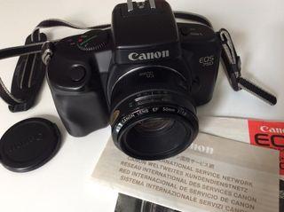 Cámara de Fotos marca Canon EOS 750 QD