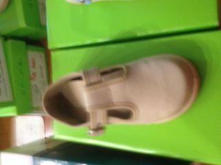 Zapatillas lona bebe. Nuevas a estrenar talla 25
