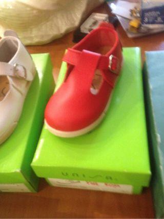 Zapatos bebe piel tallas 24 y 24. Nuevas a estrena