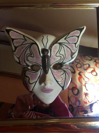 Mascara en cuadro
