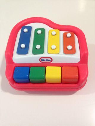 Juguete piano para bebé