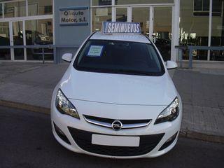 Opel Astra 1.7 CDTI 110cv Business 5P. Año 2014.