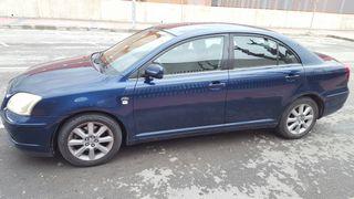 vende Toyota Avensis 2004 azul estas muy bien