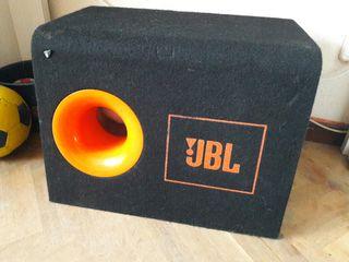 caja de subwofer jbl
