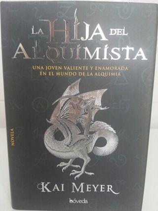 Libro LA HIJA DEL ALQUIMISTA