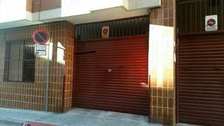Parking en venta en calle Maladeta, coches, motos...