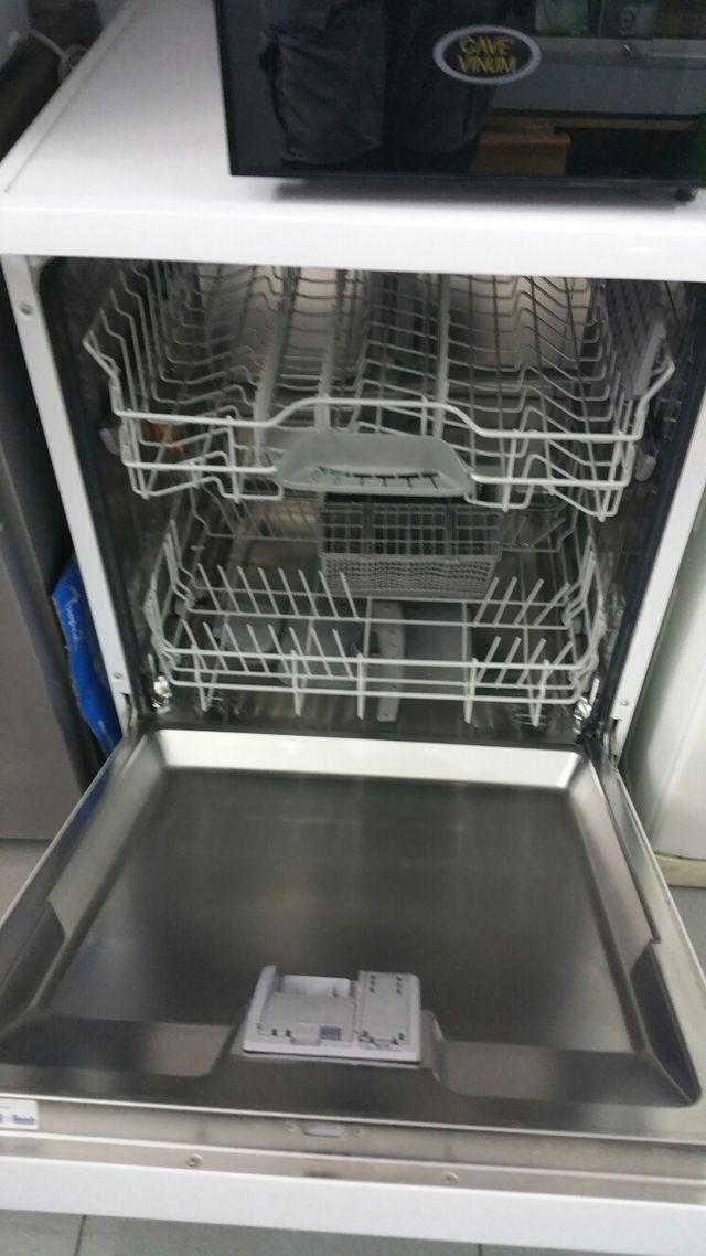 lavavajillas Siemens semi nuevo