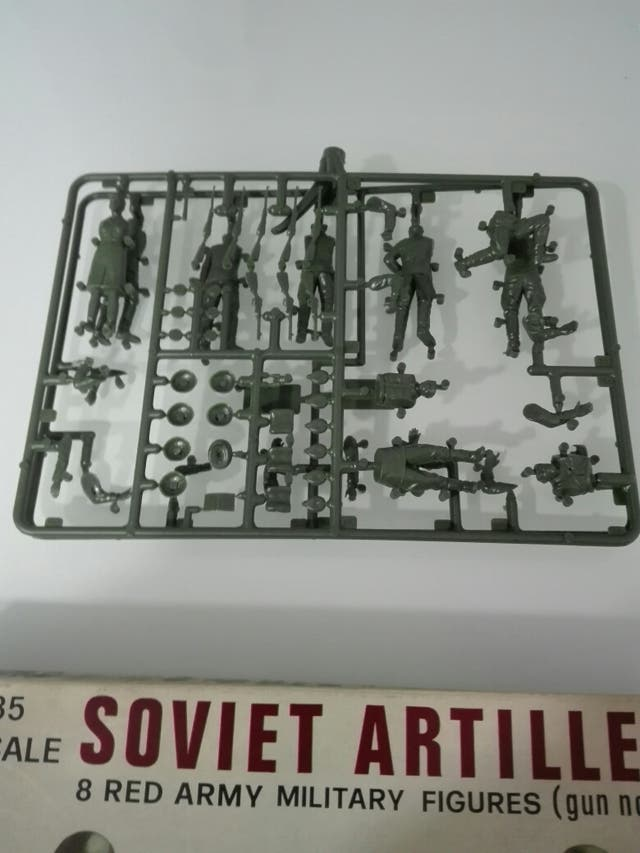 MAQUETA ITALAEREI SOLDADOS SOVIÉTICOS ARTILLERÍA