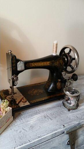 Antigua máquina de coser Singer 1894