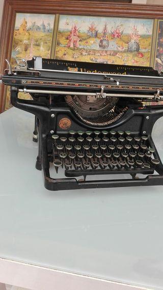 maquina de escribir underwood
